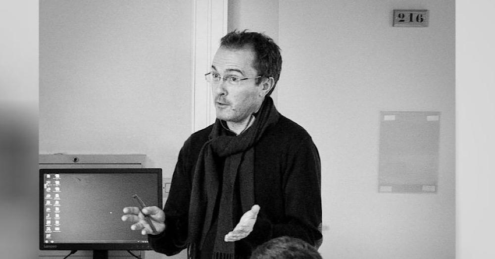 Samuel Paty, professeur d'histoire-géographie a été assassiné par un terroriste islamiste à Conflans-Sainte-Honorine