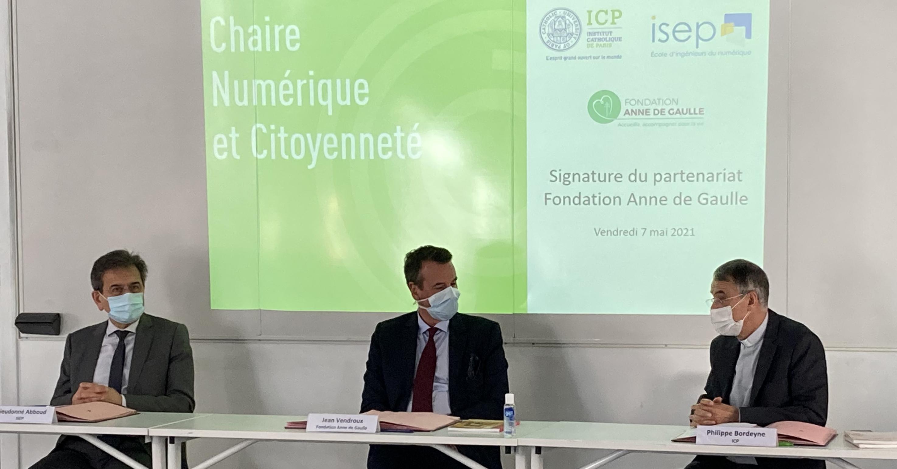 Signature du partenariat Fondation A. de Gaulle / Chaire Numérique et Citoyenneté
